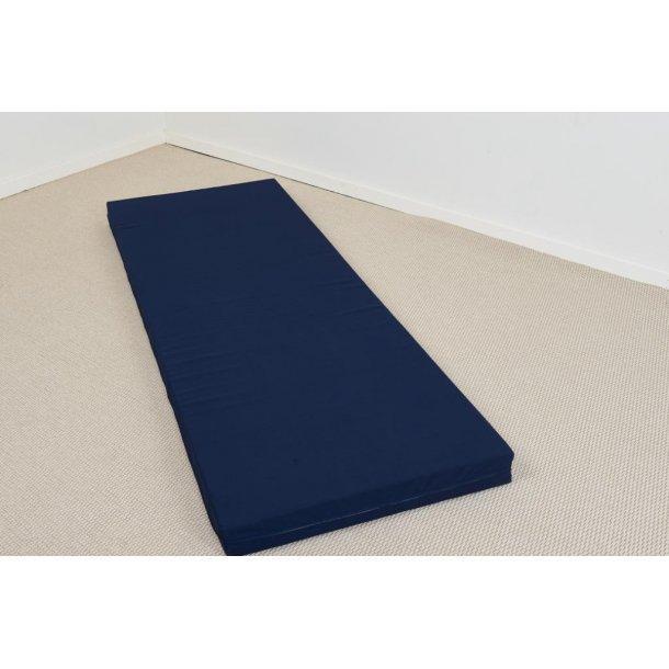 Karat Plus skummadras 90 x 200 cm med kraftigt marineblåt betræk vendbar